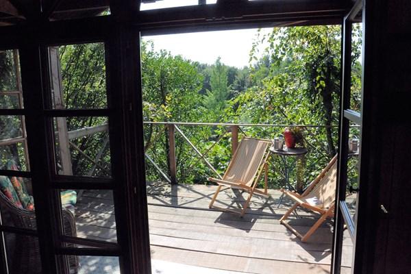 Terrasse privée de la cabane dans les arbres